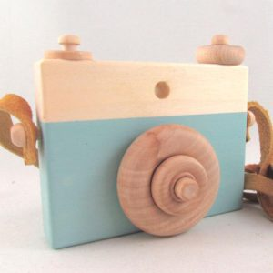 MD Handfield Wooden Toy Camera