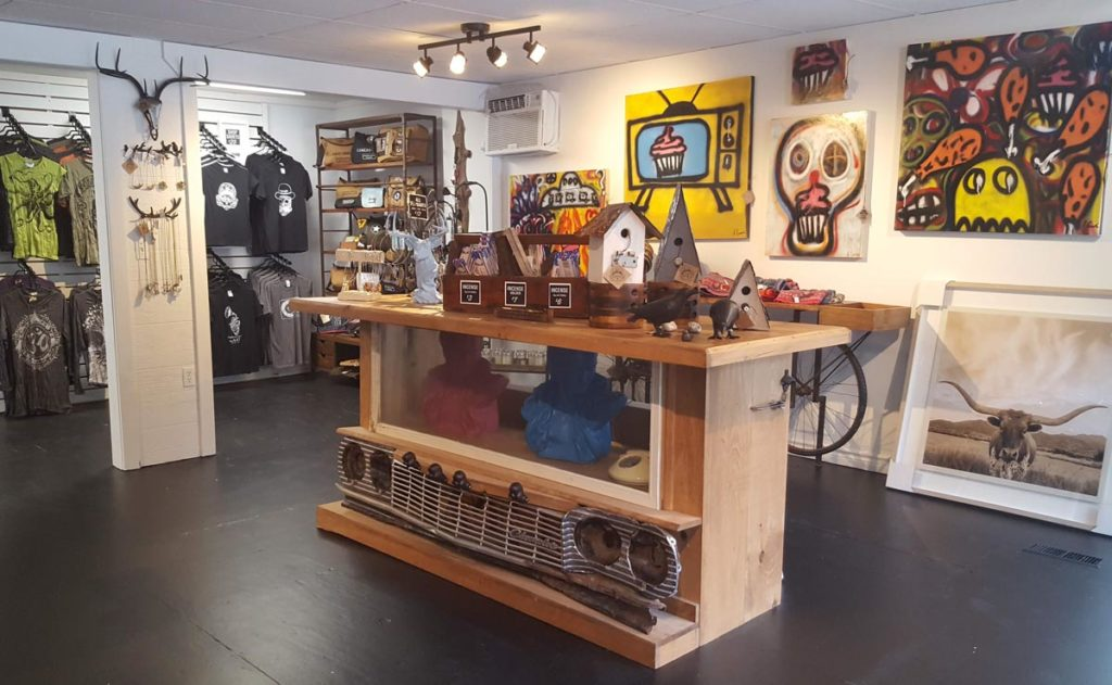 Deja Vudu shop and studio in Grand Bend
